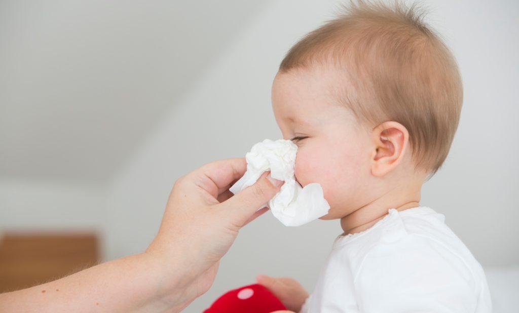 лезут зубы у ребенка кашель сопли