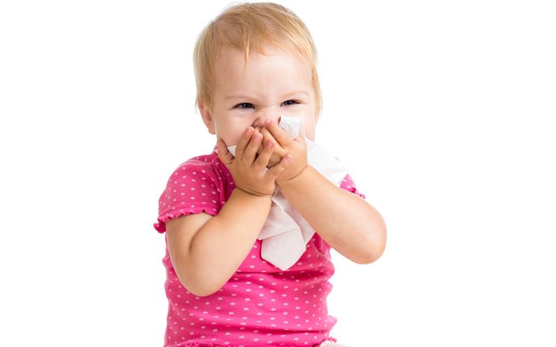 у ребенка режутся зубы сопли
